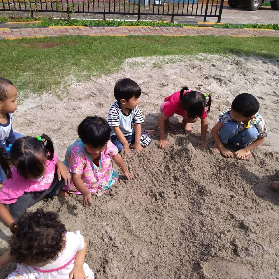 Tsabitha daycare Bermain Ke Taman Pemuda (1)